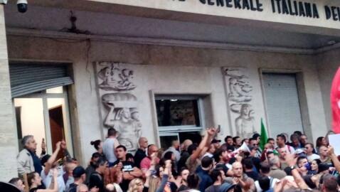 """Brunetta: """"Basta ambiguità, agli squadristi irresponsabili bisogna dire un no trasparente e fermo"""""""